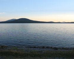 НЕБЕСНОЕ ОЗЕРО база отдыха, озеро Зюраткуль, коттеджи