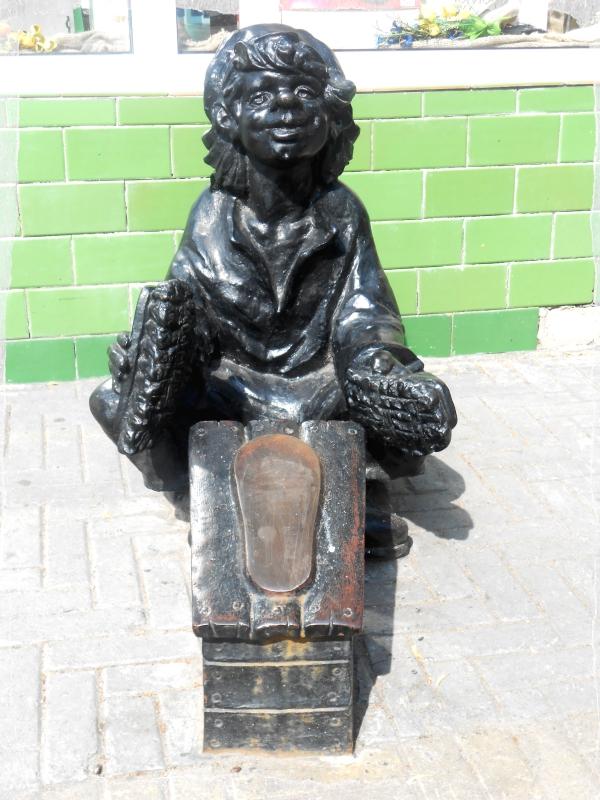 чистильщик обуви скульптуры на кировке